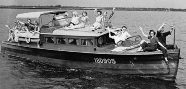 Early-Boaters-on-Little-lake-Harris