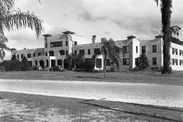 Old Floridian Hotel Howey in the Hills